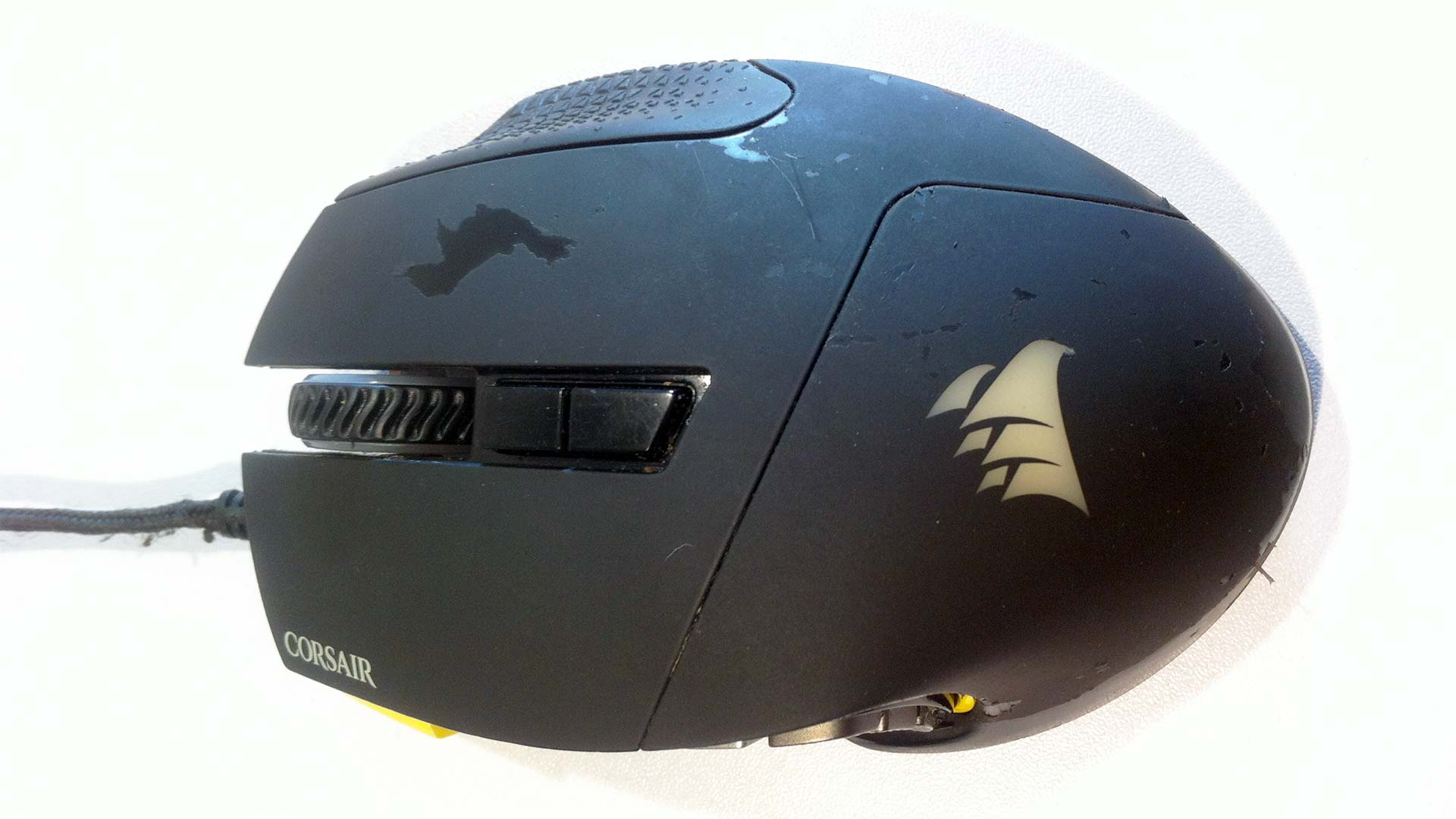 Corsair Scimitar - Paint peeling from excessive wear.